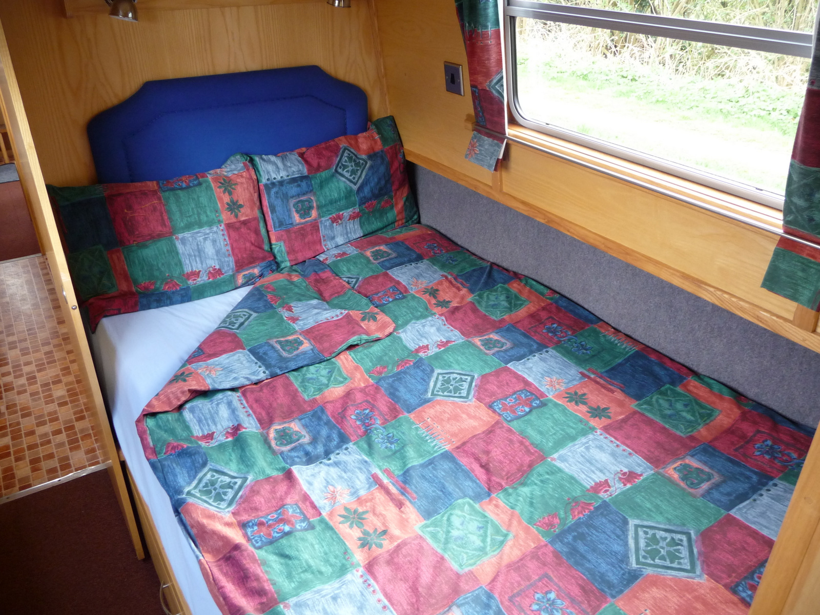Firefly double bed