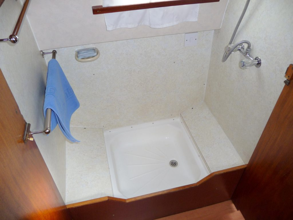 Sundance Shower room