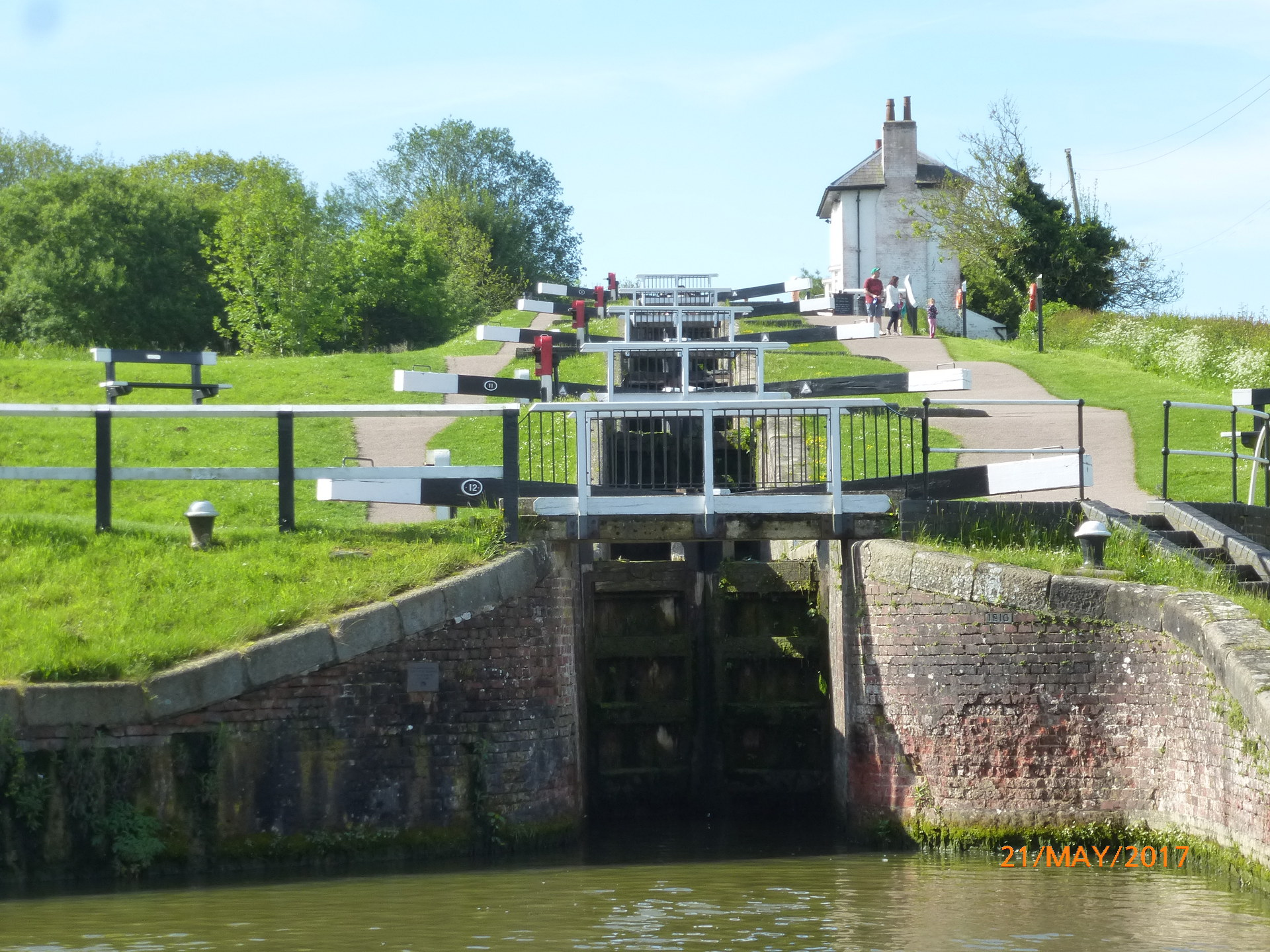 Foxton Locks, halfway point